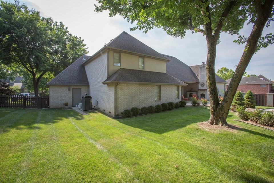 4921 South Old Oak Way Springfield, MO 65810