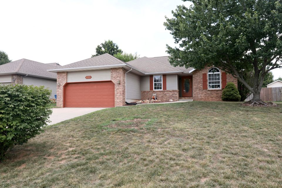 1017 West Cobblefield Way Ozark, MO 65721