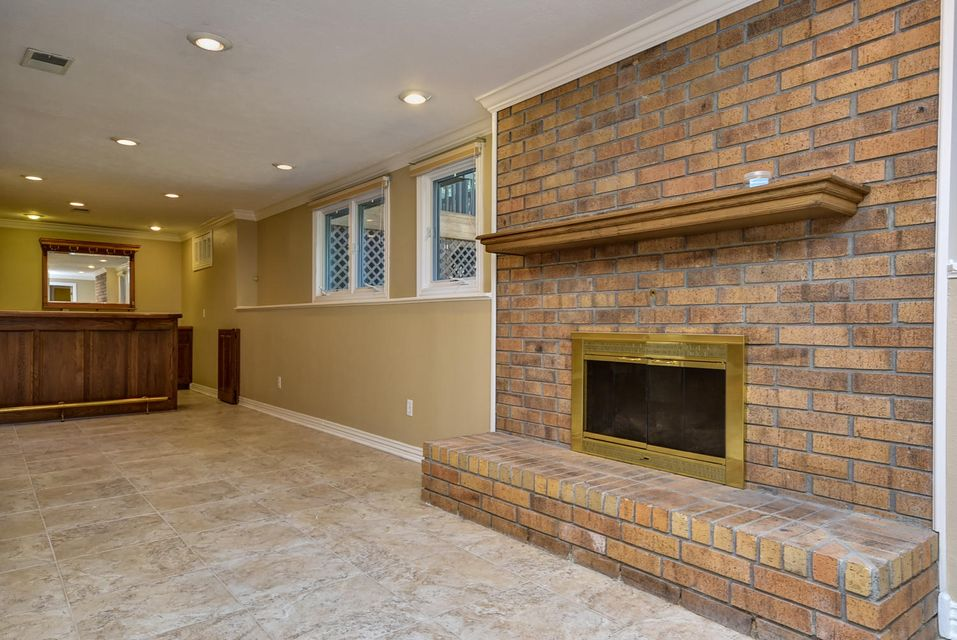 3559 East Whitehall Drive Springfield, MO 65809