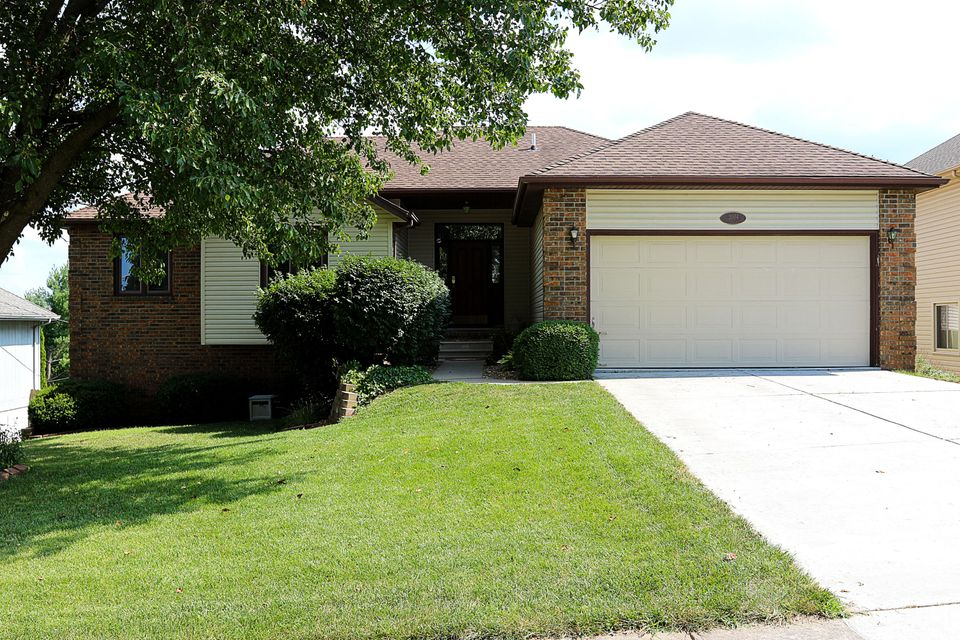 2004 West Cantebury Street Springfield, MO 65810
