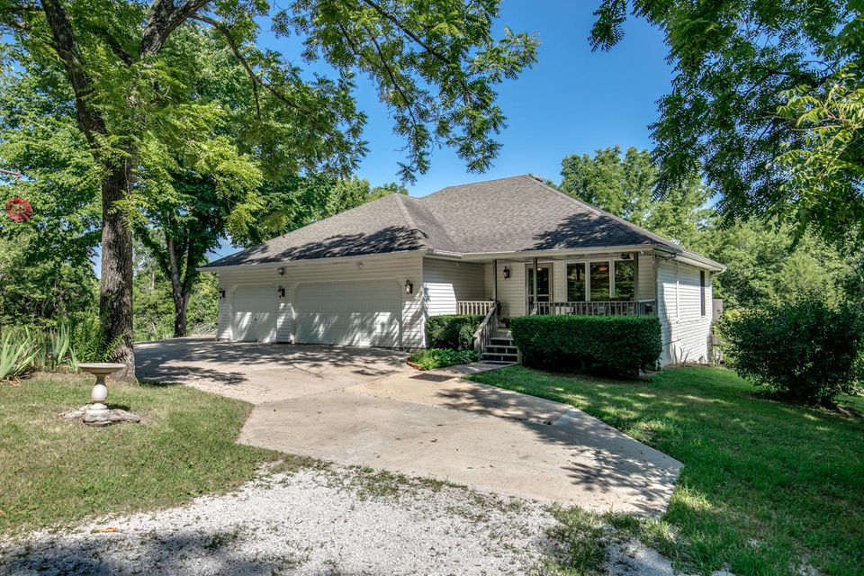 1031 Green Valley Road Clever, MO 65631
