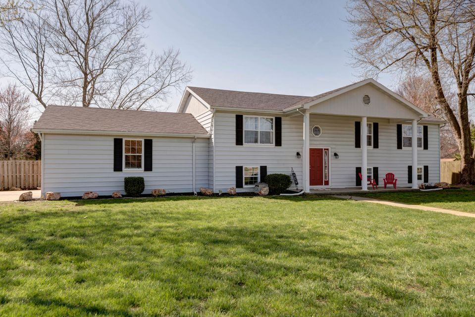 4626 South Ridgecrest Drive Springfield, MO 65810