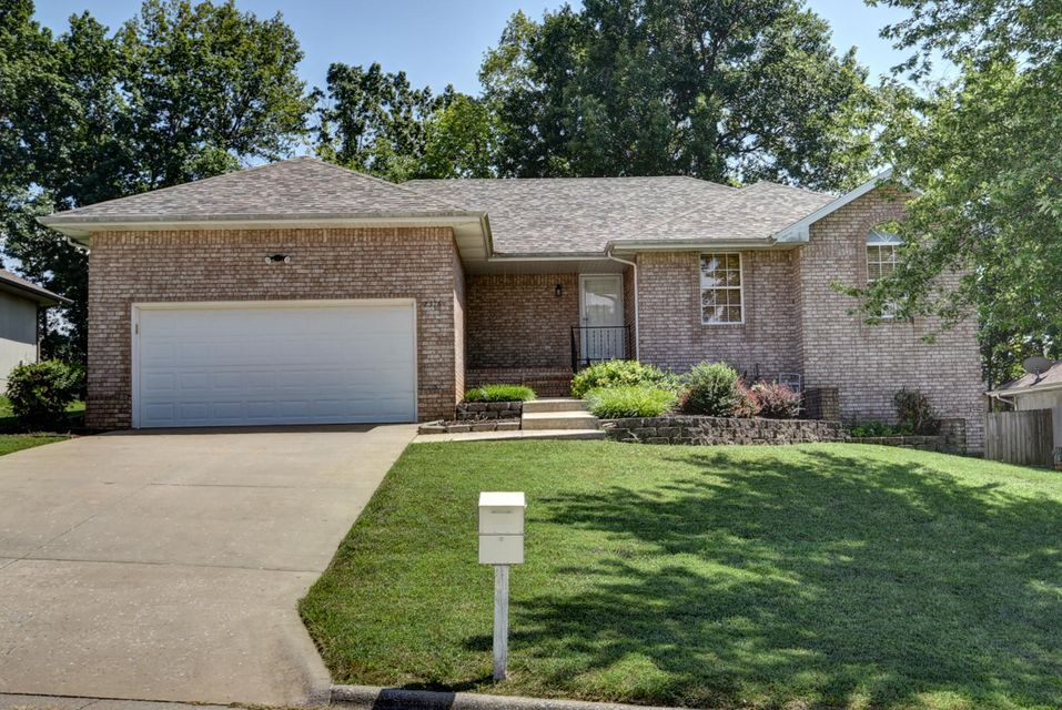 2376 West Cantebury Street Springfield, MO 65810