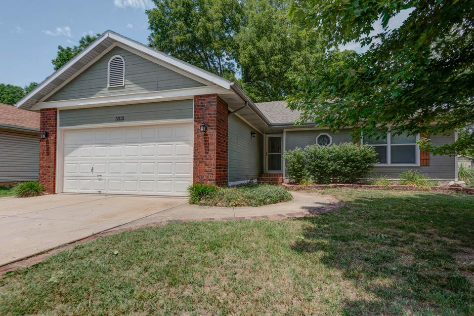 3313 West Camelot Street Springfield, MO 65807