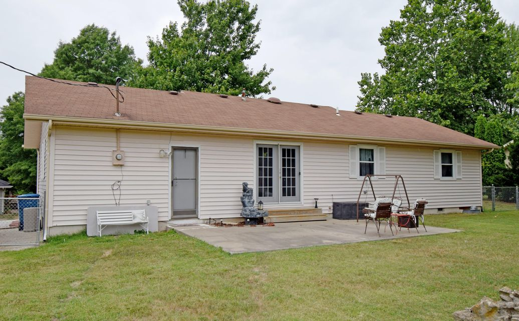 1302 South 17TH Avenue Ozark, MO 65721