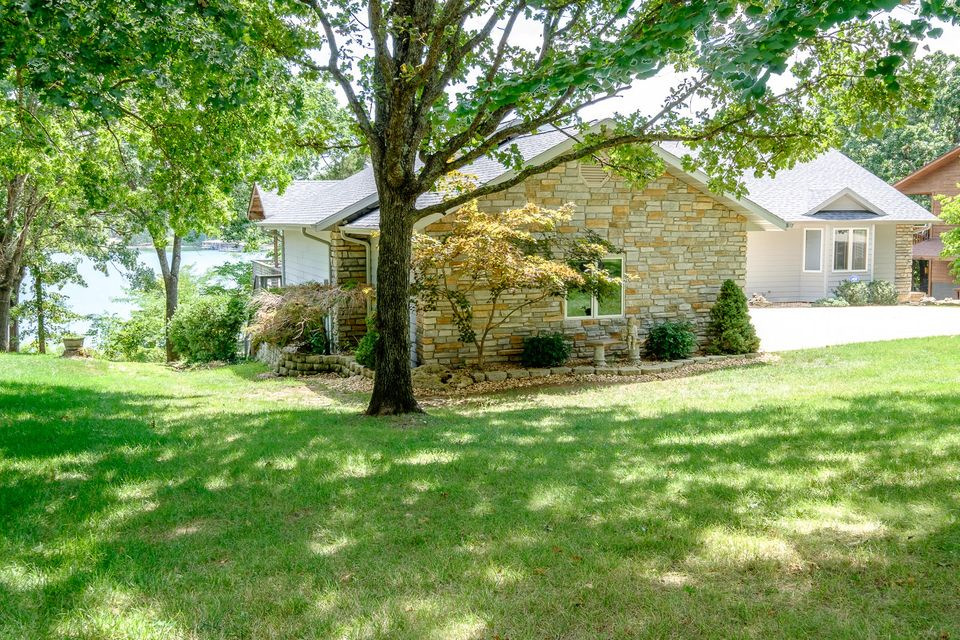 178 Lakefront Circle Kimberling City, MO 65686