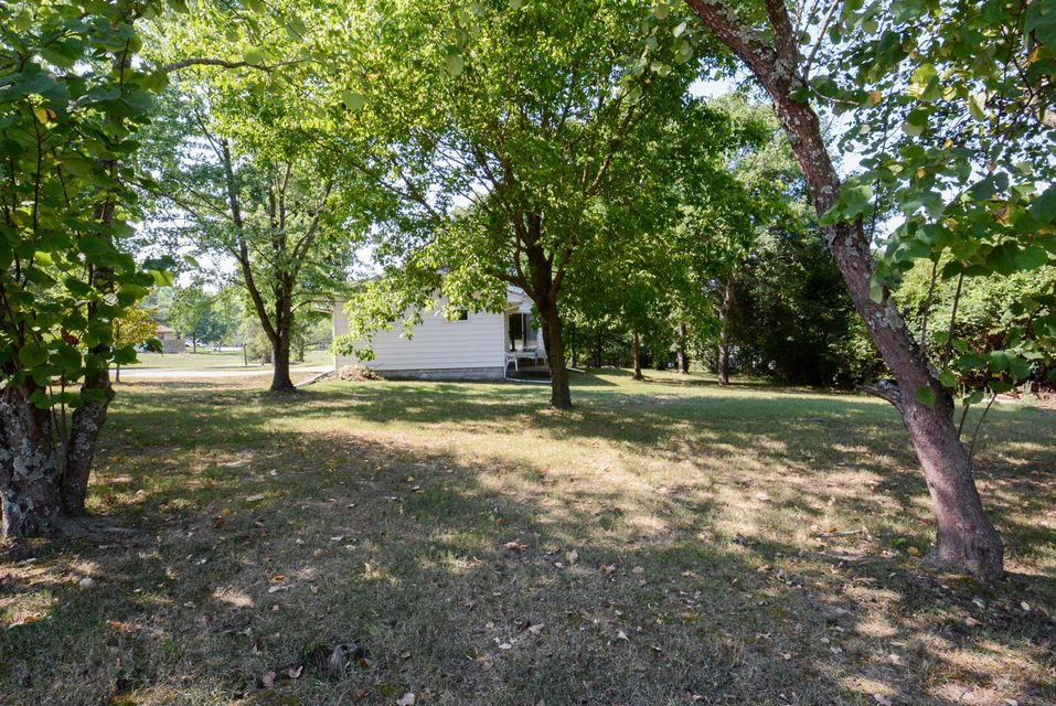 169 North Kays Lane Hollister, MO 65672