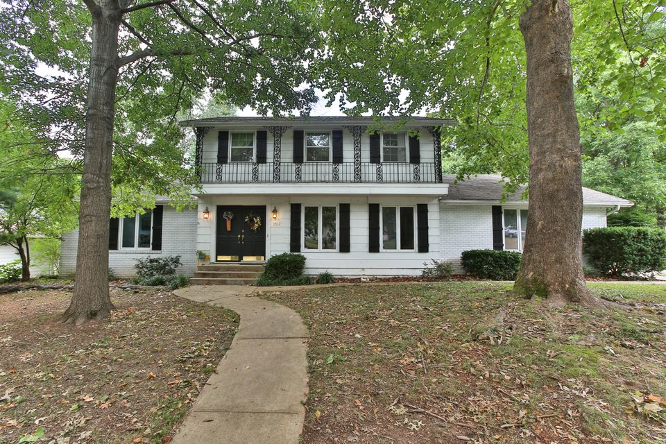 1512 South Charing Avenue Springfield, MO 65809