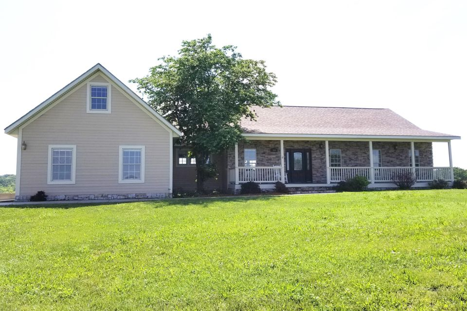 300 Spring View Place Reeds Spring, MO 65737