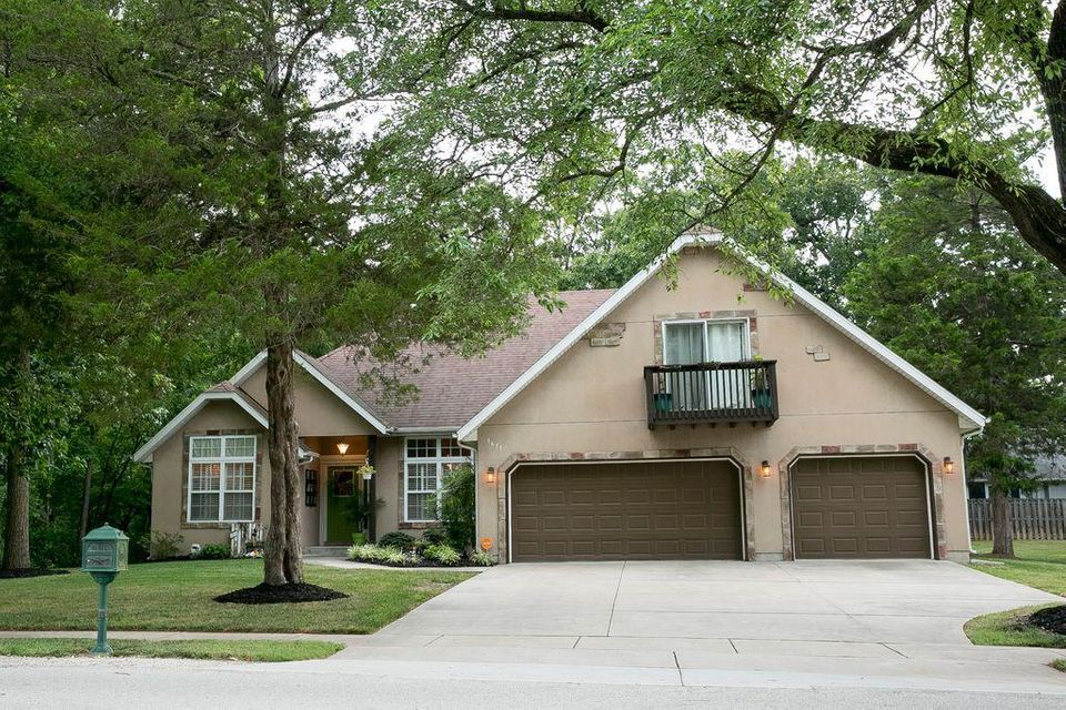 1671 South Ranch Drive Springfield, MO 65809