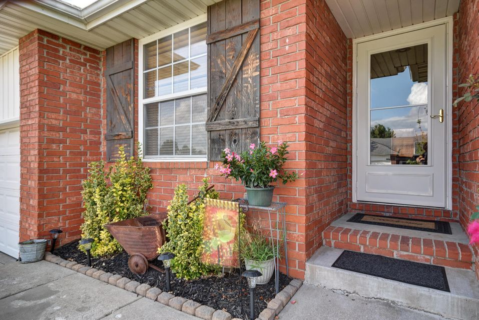 5441 West Basswood Court Springfield, MO 65802