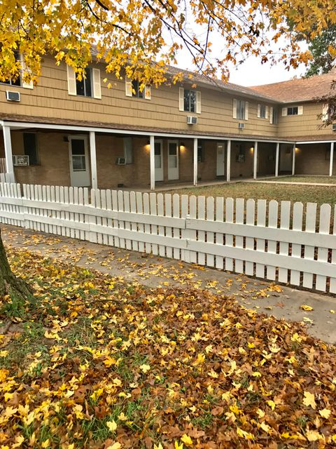 MultiFamily for sale – 106 East Sycamore   Monett, MO