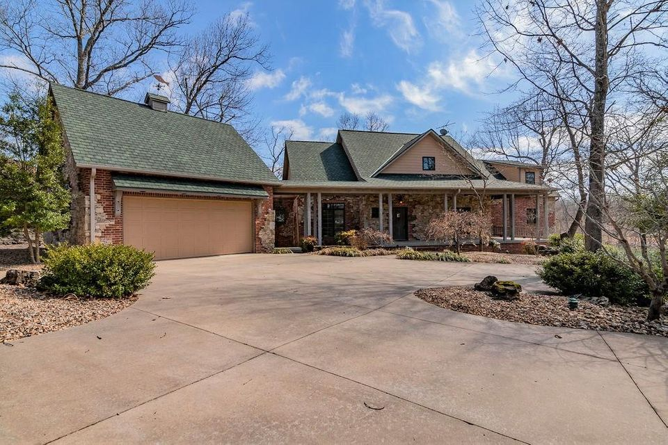 Residential for sale – 26548  Windsor Bay Lane   Shell Knob, MO