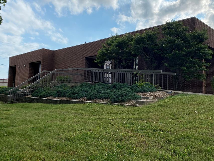 Commercial for sale – 3148 East Chestnut   Springfield, MO