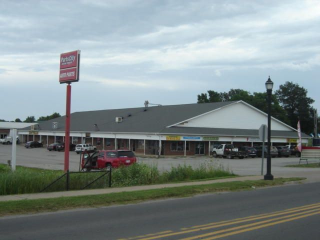 Commercial for sale – 117 West Highway 32   Licking, MO