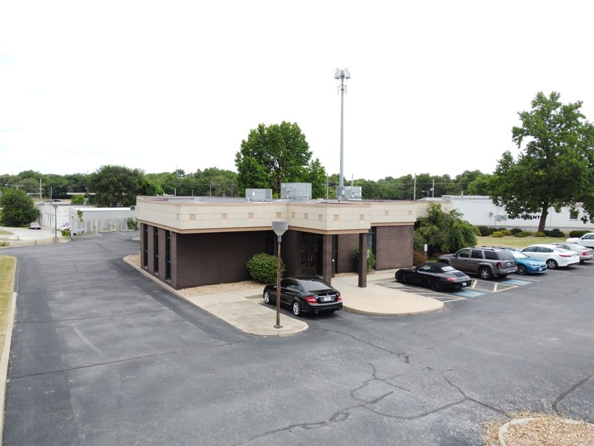 Commercial for sale – 2633 West College   Springfield, MO