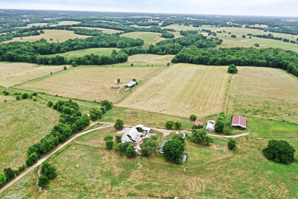 Farm for sale – 10250 East Hwy 32  Tract 1 Stockton, MO