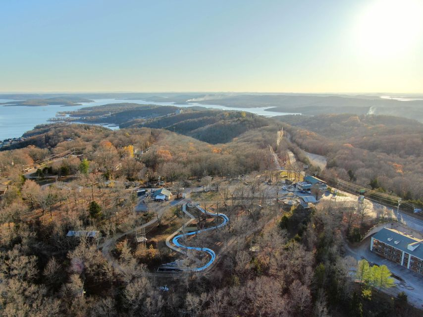 Commercial for sale – 1056  Indian Point   Branson, MO
