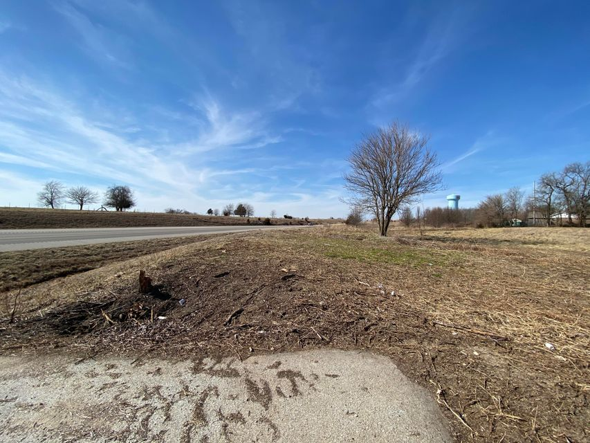 Commercial for sale – 4525 South 107th   Bolivar, MO