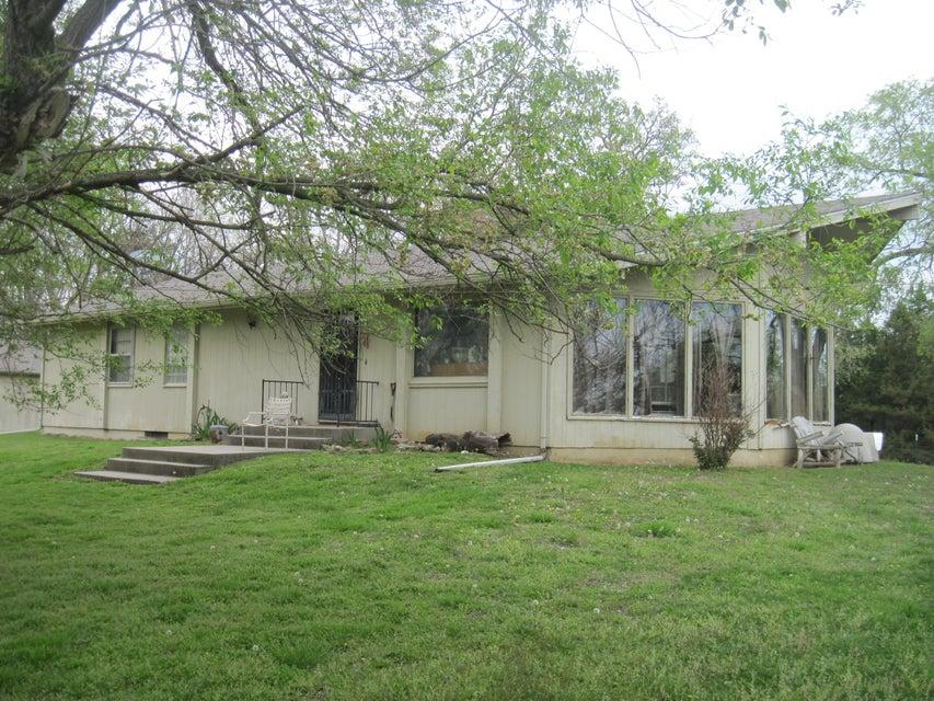 Farm for sale – 19769  County Road 279   Wheatland, MO