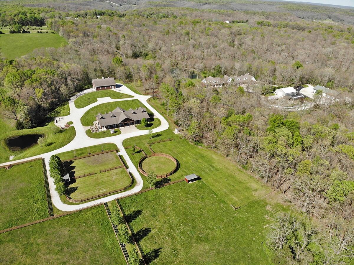 Farm for sale – 9348 East Farm Road 116   Strafford, MO