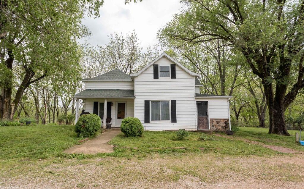 Farm for sale – 6265  County Road 651   Birch Tree, MO