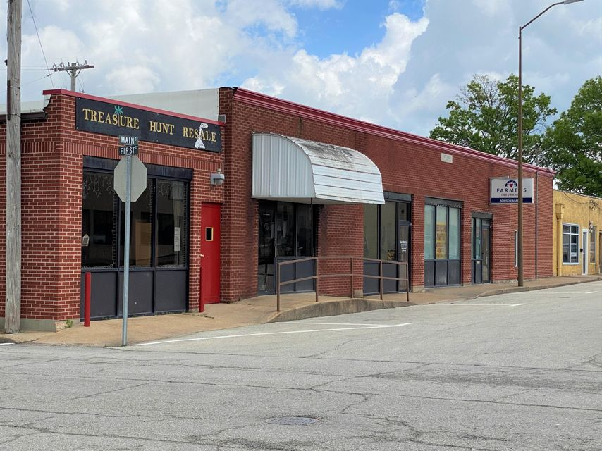 Commercial for sale – 111 West Main Street   Houston, MO