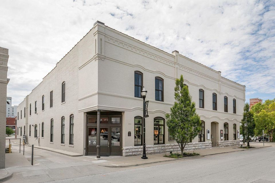 Commercial for sale – 214 West Phelps   Springfield, MO