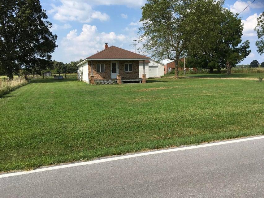 Farm for sale – 4041 West Farm Road 38   Willard, MO