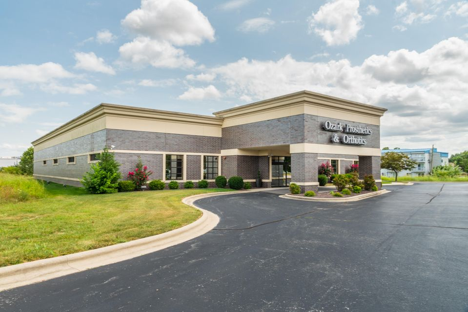 Commercial for sale – 3250 South Delaware   Springfield, MO