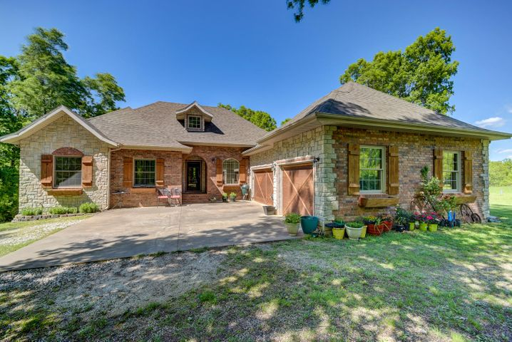 3595 West Two Rivers Road, Highlandville, MO 65669