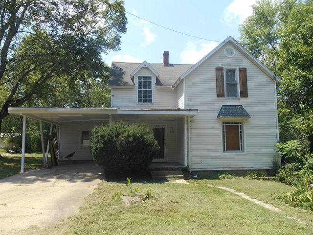 409 Locust Street, West Plains, MO 65775