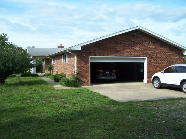 2110-South-E-Highway-Norwood-MO-65717