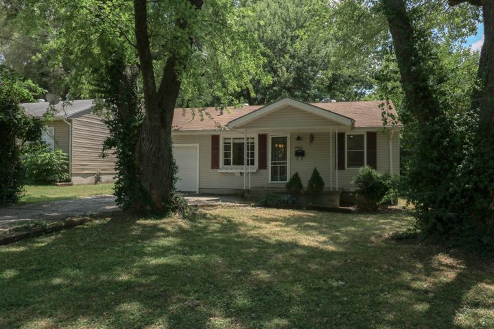 1530 East Nora Street, Springfield, MO 65803
