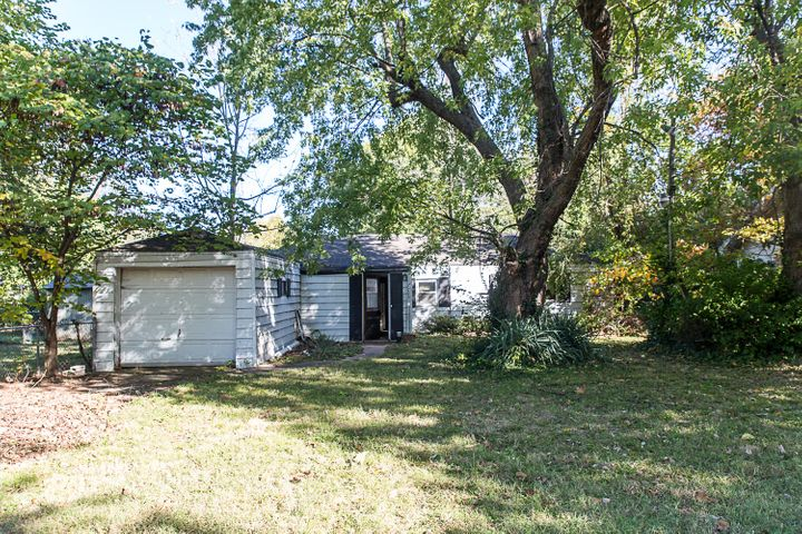 2703-East-Division-Street-Springfield-MO-65803