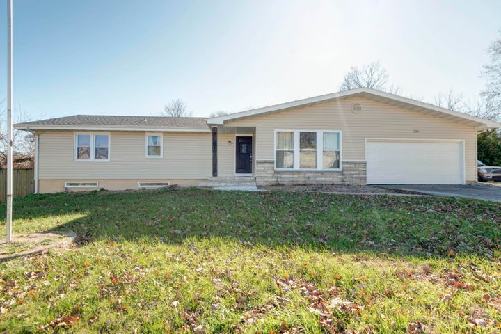 208 West South Street, Nixa, MO 65714