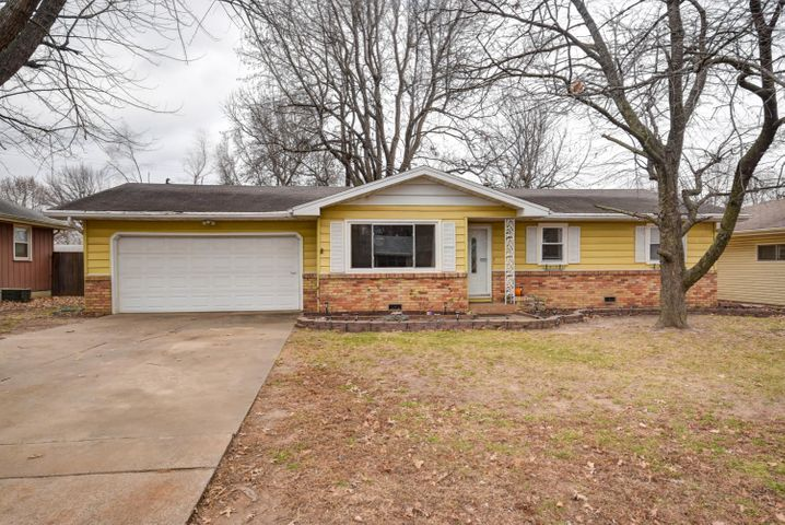 1241 East Woodland Street, Springfield, MO 65804
