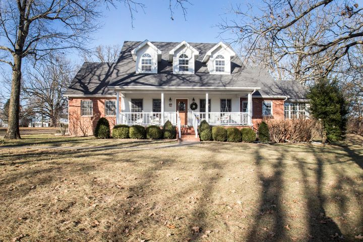 211 Hill Haven Road, Marshfield, MO 65706