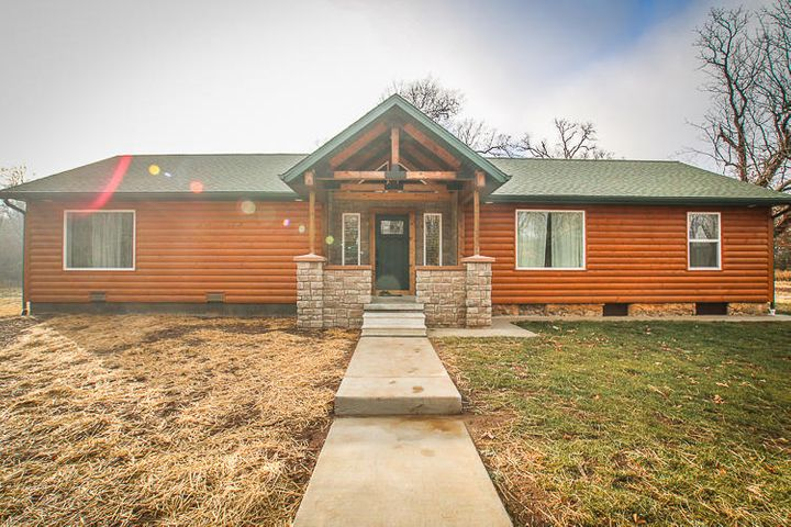 4445 North Farm Rd 129, Springfield, MO 65803