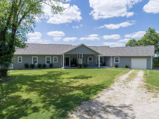 319 Cliff House Road, A And B, Powersite, MO 65731