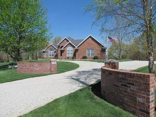 332 Hedge Apple Drive, Strafford, MO 65757