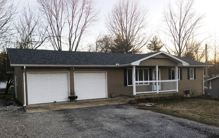 http://www.ozarks-action.com/properties-search/details/?mlsnum=524596&aid=182&agt=0&anch=1&page=1&price=any&rangel=&rangeh=&propertytype=any&city=any&county=any&zipcode=any&bedrooms=any&bathrooms=any&sqft=any&acres=any