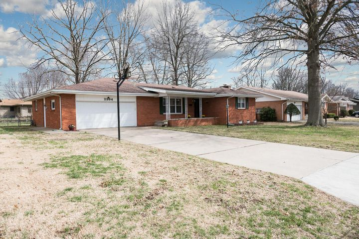 2234 South Barcliff Avenue, Springfield, MO 65804