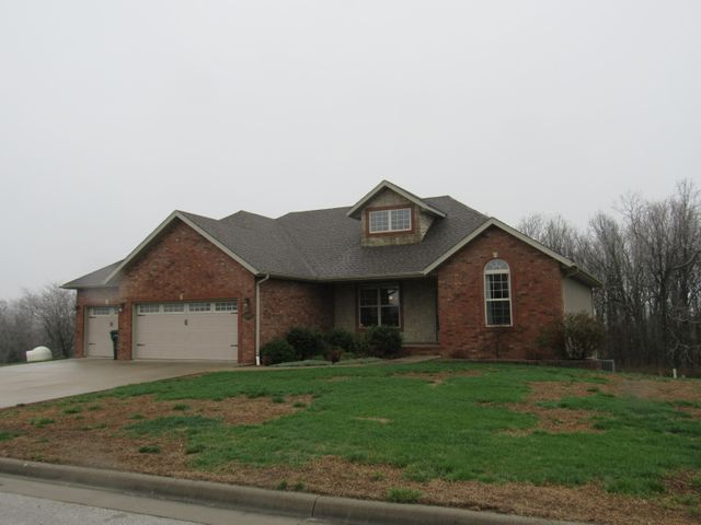 1442 Woodland Road, Marshfield, MO 65706