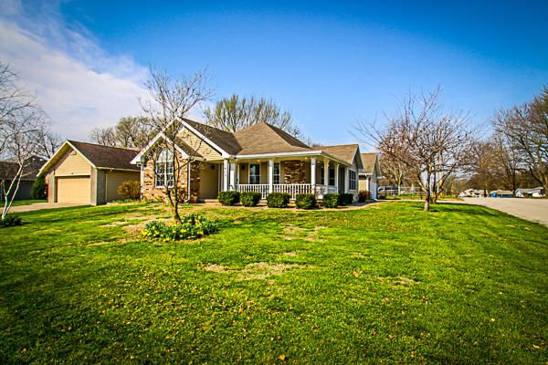 1605 South Meadowview Avenue, Springfield, MO 65804