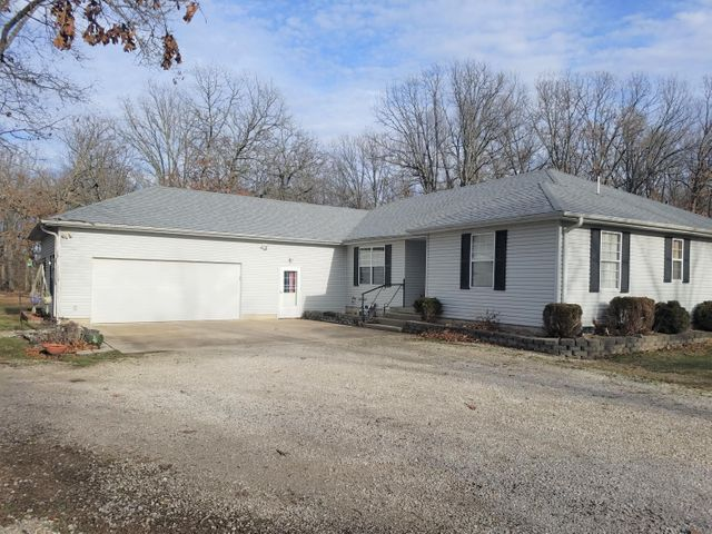 145 Small Woods Drive, Marshfield, MO 65706