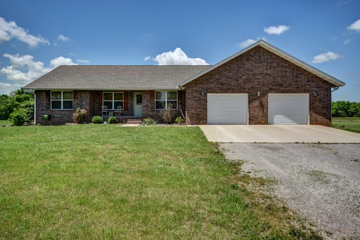 13741 Lawrence 1157, Mt Vernon, MO 65712