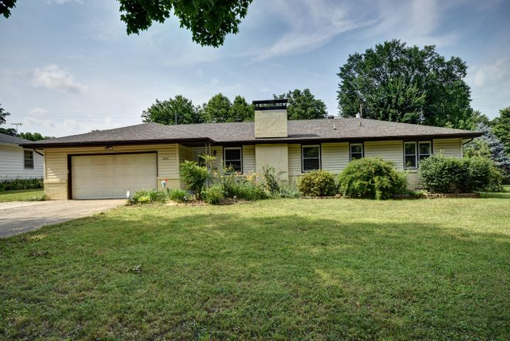 2253 East Langston Street, Springfield, MO 65804