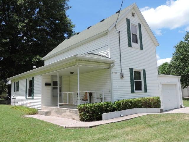 2737 North Grant Avenue, Springfield, MO 65803