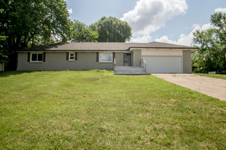 542 West Hubble Drive, Marshfield, MO 65706